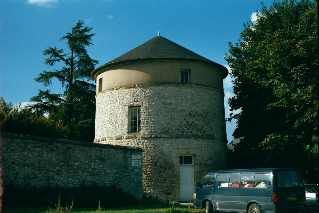 47- Février 2001 Le pigeonnier