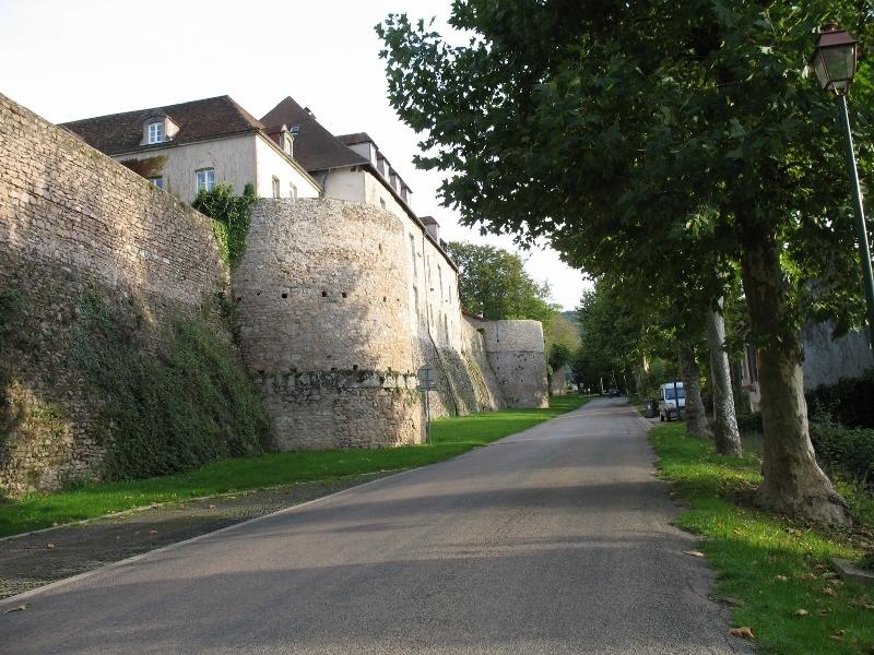 Les remparts - Autun