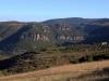 Saint Jean du Bruel, haute vallée de la Dourbie, Col de la pierre plantée (867m), d'où l'on peut admirer un panorama sur la limite Causses (Causse Noir) / Socle cristallin (Massif de l'Aigoual).