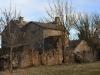 Hameau de Claparouse (maisons de type caussenard), entre Lanuéjols et Revens.