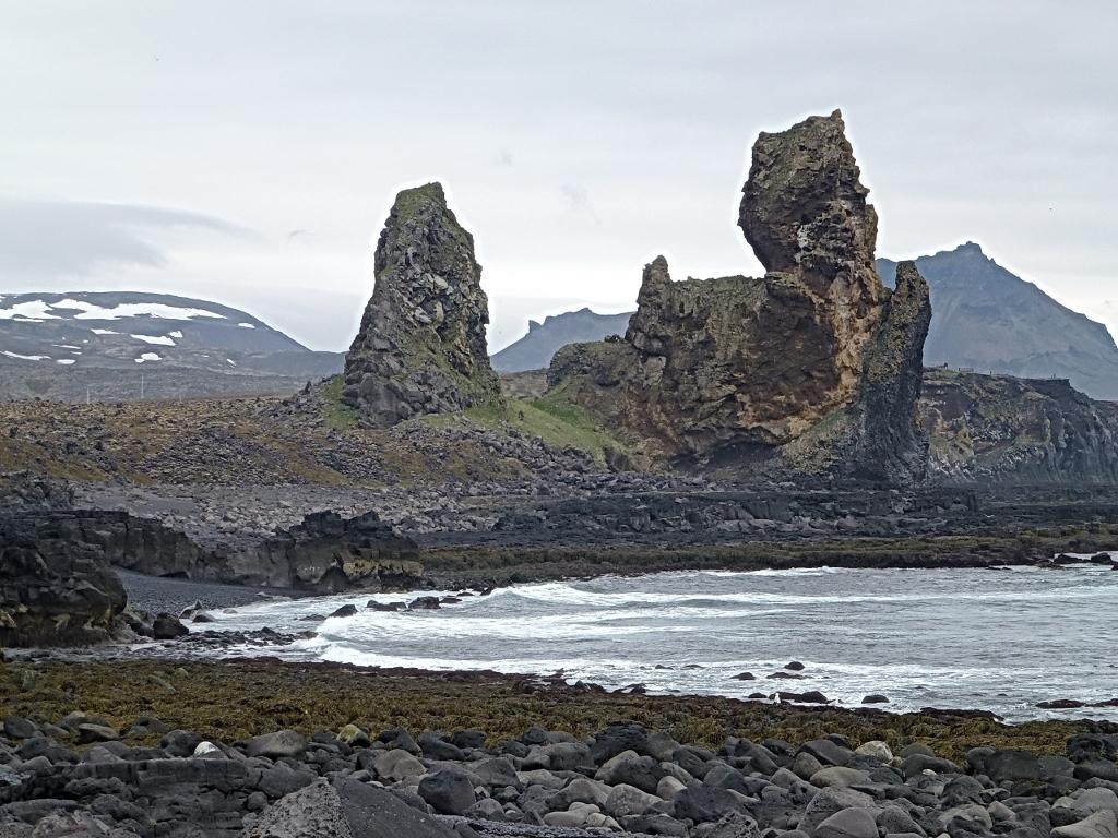 24- Hellissandur, peu de baigneurs sauf quelques phoques, mais aussi des orgues basaltiques