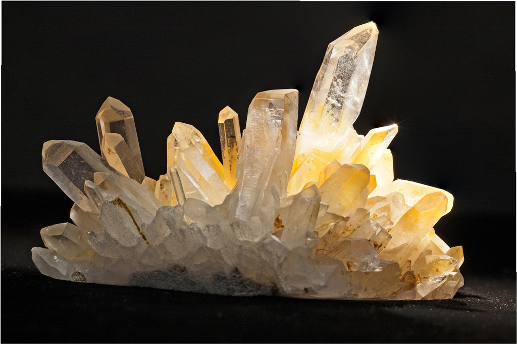 02-Calcite ( prov. Chine). Collection Michel Nguyen. Photo François H. Nicoly