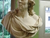Le buste de Buffon (originaire de Montard-21) nous accueille à l\'entrée de la salle d\'exposition du laboratoire de Paléontologie.