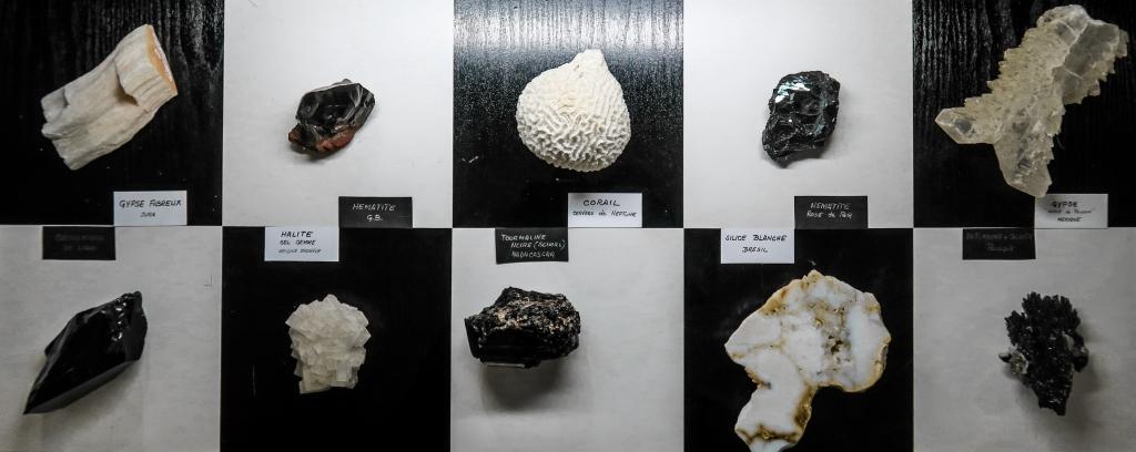 Échiquier minéral - Pièces de Michel