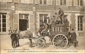 Grignon - L'omnibus partant pour la gare de Plaisir Grignon
