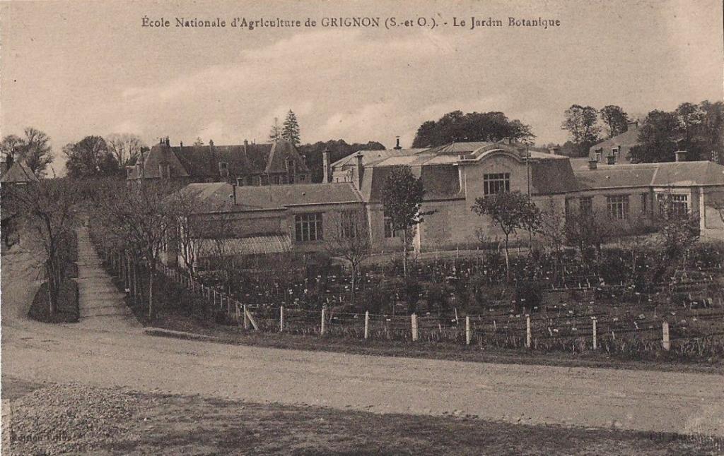 Grignon - Le jardin botanique. Carte postale collection Maryse Le Gal