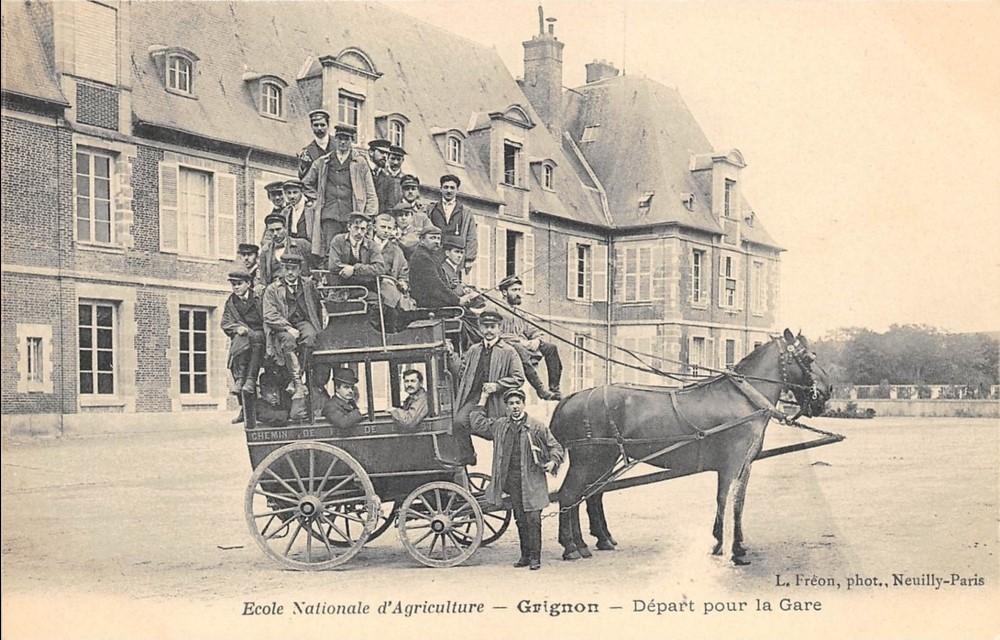 Grignon - Le départ pour la gare