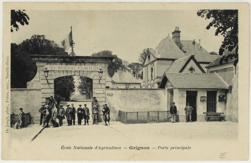 Grignon - La porte principale - Photo Archives dépt Yvelines
