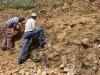 Daniel et Jacques à la recherche du niveau à Chondroceras - Photo Christian B.