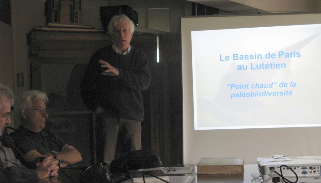 """Exposé d'Hervé D. """"Le Bassin de Paris au Lutétien, point chaud de la Paléo-biodiversité""""- Photo ML"""
