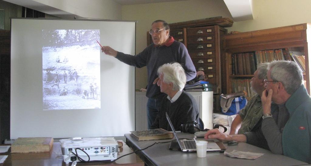Claude rappelant les faits marquants du club durant ces 25 ans - Photo ML