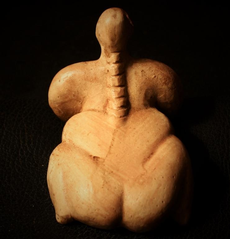 Statuette féminine - SO du lac de burdur - Anatolie sud - 7100 Av. JC