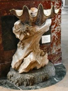 Vue d'ensemble du bénitier à la pieuvre - St Sulpice - Jean-Baptiste Pigalle