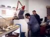 De G à D : Gilbert Soulié et Albert Bry ont assuré la création de l'atelier Bonvin en 1987 : récupération de matériel auprès du CNET et aménagement du local