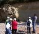 Port des Barques: la faille qui met en présence les calcaires bioclastiques du Cénomabien sup ( à g.) et les marnes du Turonien inf.