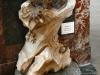 Tridacne géant offert par la République de Venise au roi François Ier.  Bénitier monté en l'église St Sulpice Paris par Jean-Baptiste Pigalle (fin 18ème)